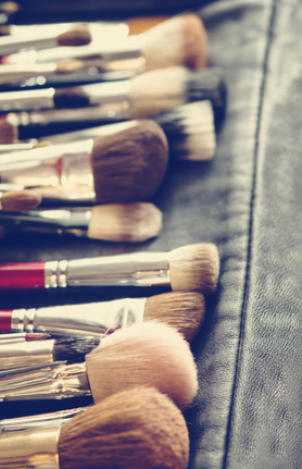 Bad Beauty Habits - dirty makeup brushes