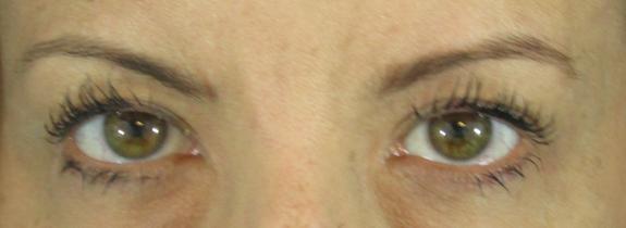 kiko luxurious lashes extra volume brush mascara swatch