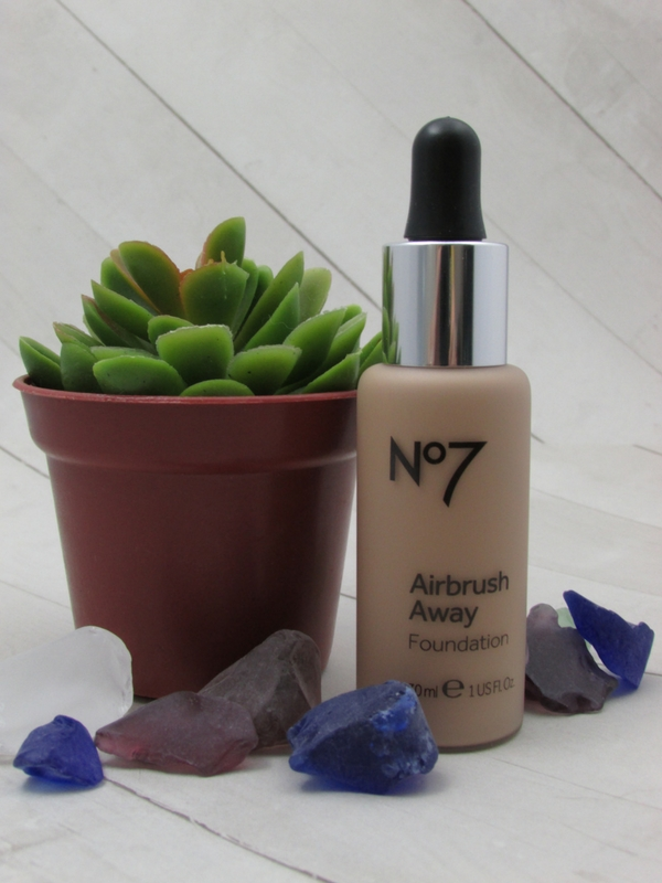 BOOTS No. 7 AIRBRUSH AWAY FOUNDATION