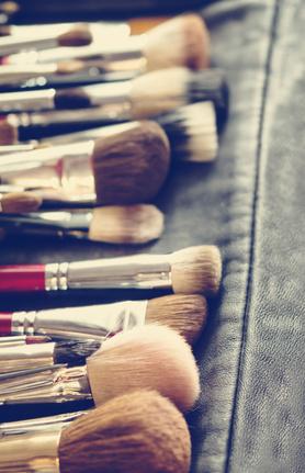 Bad Beauty Habits - dirty makeup brushes